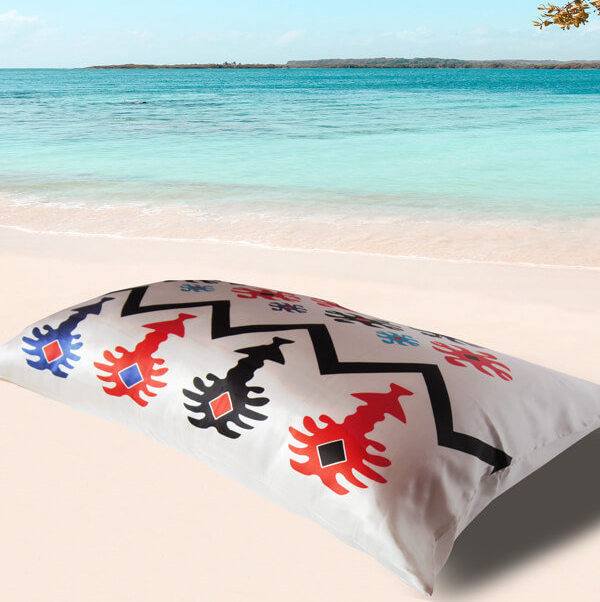 Different - 22 mm Silk Pillowcase